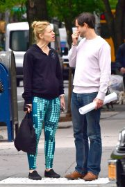 Claire Danes and Hugh Dancy Stills Out in New York 2018/05/16 3