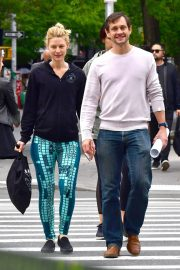 Claire Danes and Hugh Dancy Stills Out in New York 2018/05/16 7