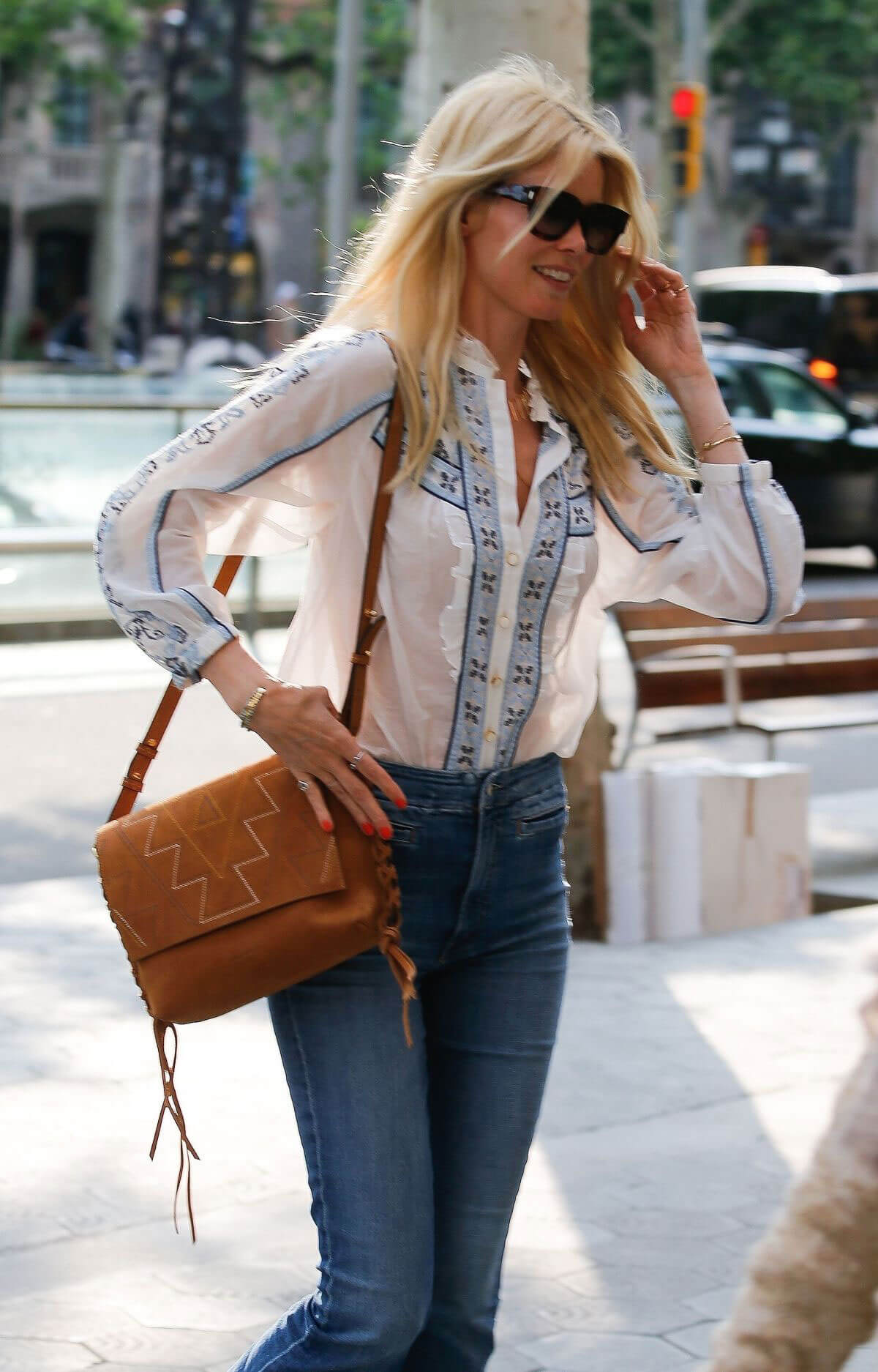 Claudia Schiffer Stills Out and About in Barcelona 2018/05/17 4