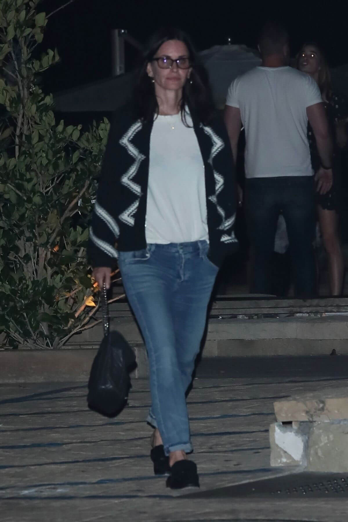 Courteney Cox and Laura Dern at Nobu in Malibu 2018/05/26 6