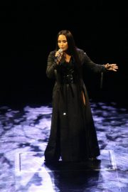Demi Lovato Performs at a Concert in Dublin 2018/05/25 7
