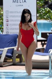 Demi Rose Mawby Stills in Swimsuit on Vacation in Cape Verde 2018/05/01 4