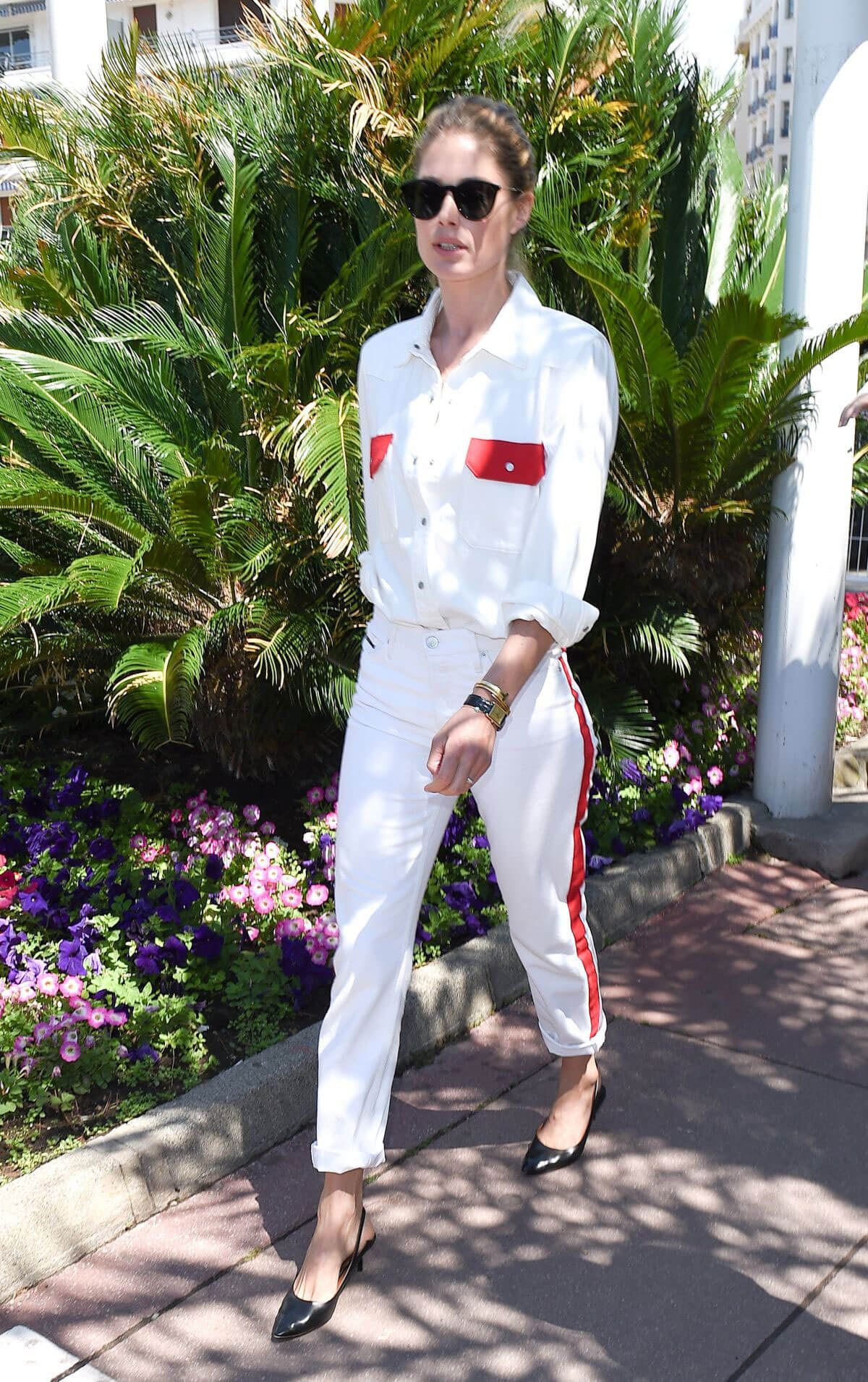 Doutzen Kroes Stills Out and About in Cannes 2018/05/15 3