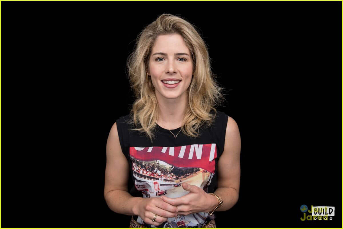 Emily Bett Rickards Stills at Build Series in New York 2018/05/21 7