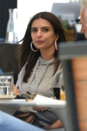 Emily Ratajkowski Out for Lunch in Los Angeles 2018/05/25 8