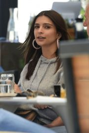 Emily Ratajkowski Out for Lunch in Los Angeles 2018/05/25 9