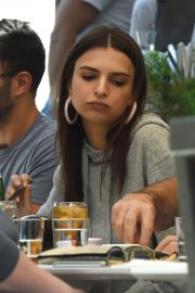 Emily Ratajkowski Out for Lunch in Los Angeles 2018/05/25 12