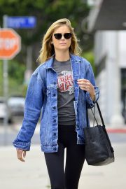 Emily VanCamp Stills Out and About in Los Angeles 2018/05/23 6