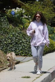 Emma Kenney Out with Her Dog in Los Angeles 2018/05/27 2
