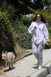 Emma Kenney Out with Her Dog in Los Angeles 2018/05/27 4