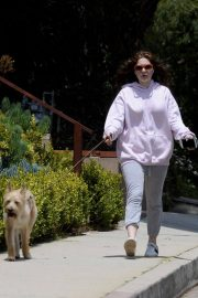 Emma Kenney Out with Her Dog in Los Angeles 2018/05/27 6