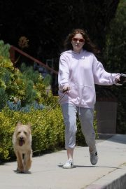 Emma Kenney Out with Her Dog in Los Angeles 2018/05/27 10