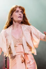 Florence Welch Performs at BBC Biggest Weekend Festival in Swansea 2018/05/27 4