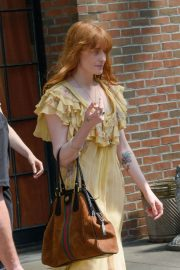Florence Welch Stills Leaves Her Hotel in New York 2018/05/15 8