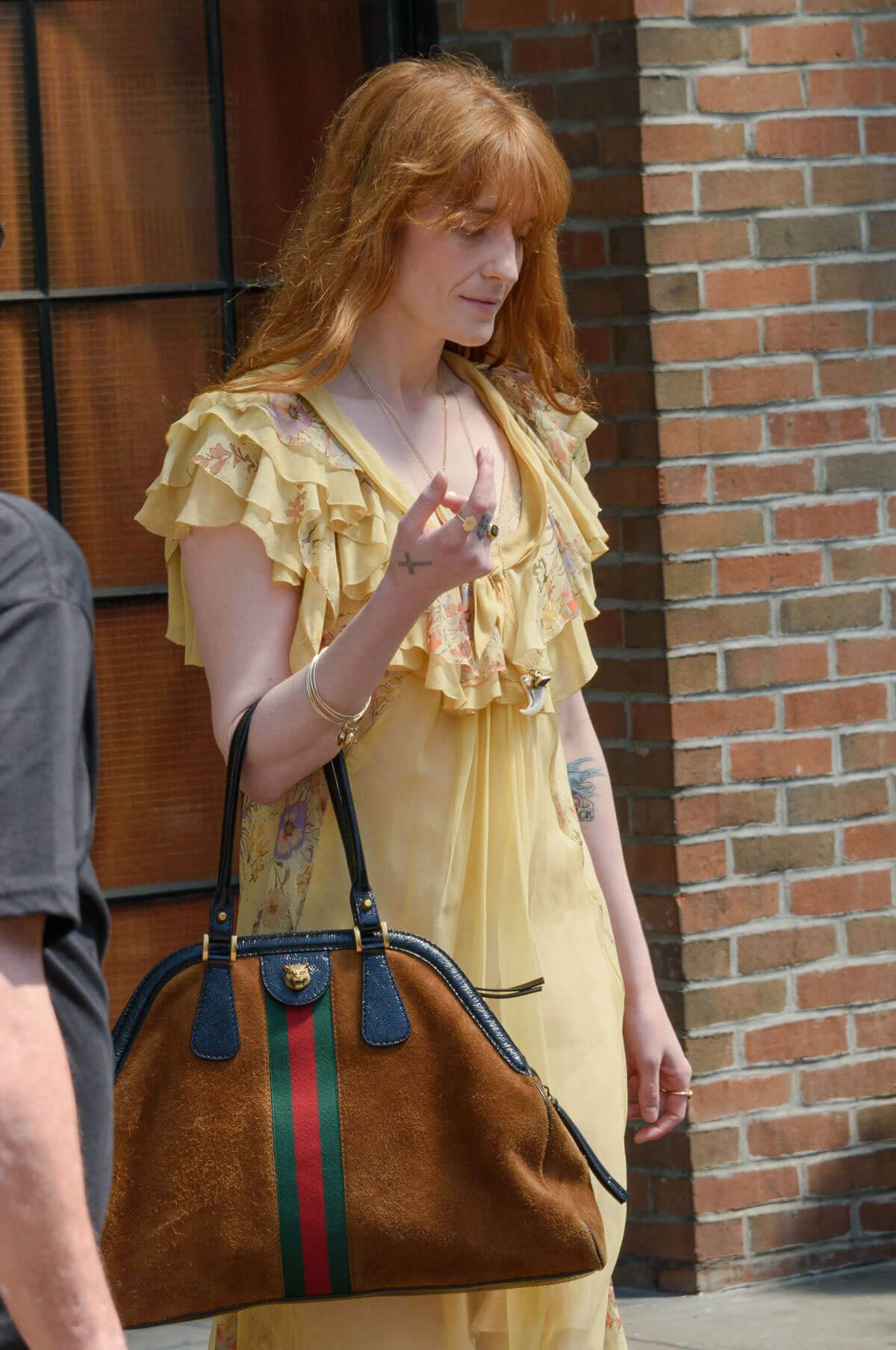 Florence Welch Stills Leaves Her Hotel in New York 2018/05/15 9