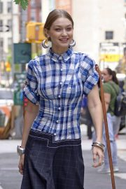 Gigi Hadid on the Set of a Photoshoot in New York 2018/05/30 3