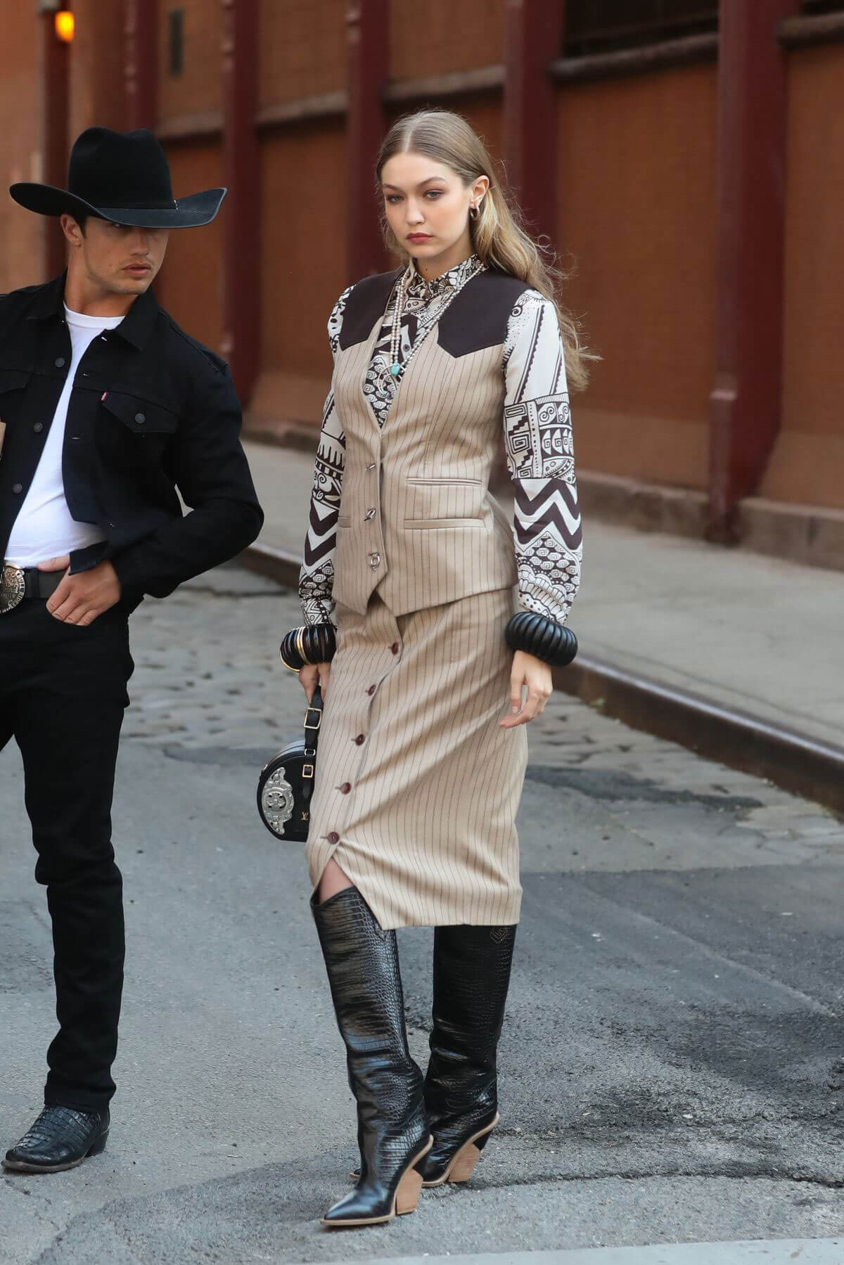 Gigi Hadid on the Set of a Photoshoot in New York 2018/05/30 10