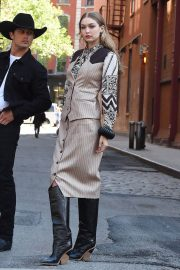 Gigi Hadid on the Set of a Photoshoot in New York 2018/05/30 16