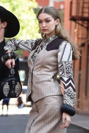 Gigi Hadid on the Set of a Photoshoot in New York 2018/05/30 18