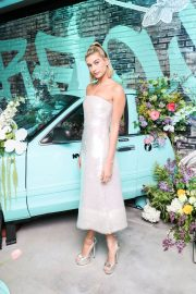 Hailey Baldwin Stills at Tiffany Paper Flowers Event in New York 2018/05/03 11
