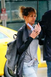 Halle Berry Out and About in New York 2018/05/27 4