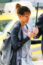 Halle Berry Out and About in New York 2018/05/27 5