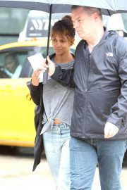Halle Berry Out and About in New York 2018/05/27 13