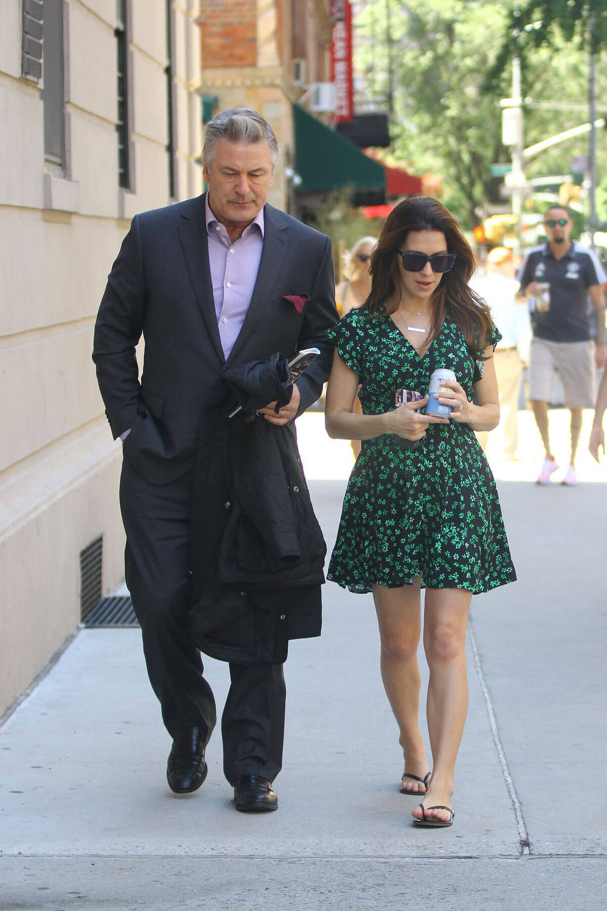 Hilaria and Alec Baldwin Out and About in New York 2018/05/24 4