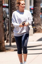 Hilary Duff Out for a Coffee in Studio City 2018/05/28 3