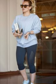 Hilary Duff Out for a Coffee in Studio City 2018/05/28 5