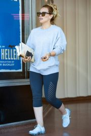 Hilary Duff Out for a Coffee in Studio City 2018/05/28 7