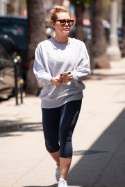 Hilary Duff Out for a Coffee in Studio City 2018/05/28 10