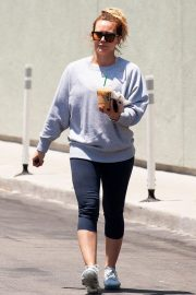 Hilary Duff Out for a Coffee in Studio City 2018/05/28 11