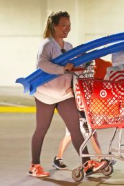 Hilary Duff Shopping for Beach Toys at Target in Los Angeles 2018/05/29 1