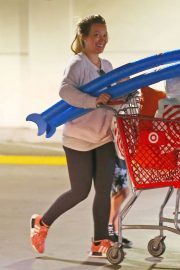 Hilary Duff Shopping for Beach Toys at Target in Los Angeles 2018/05/29 2