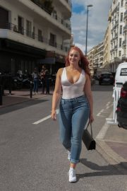 Iskra Lawrence Stills in Jeans Out in Cannes 2018/05/14 3