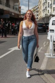 Iskra Lawrence Stills in Jeans Out in Cannes 2018/05/14 4