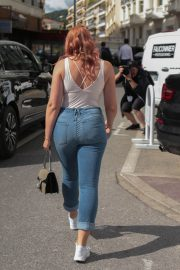 Iskra Lawrence Stills in Jeans Out in Cannes 2018/05/14 9