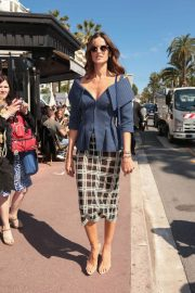 Izabel Goulart Stills Out and About in Cannes 2018/05/14 2