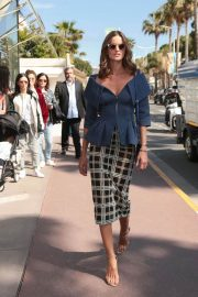Izabel Goulart Stills Out and About in Cannes 2018/05/14 3