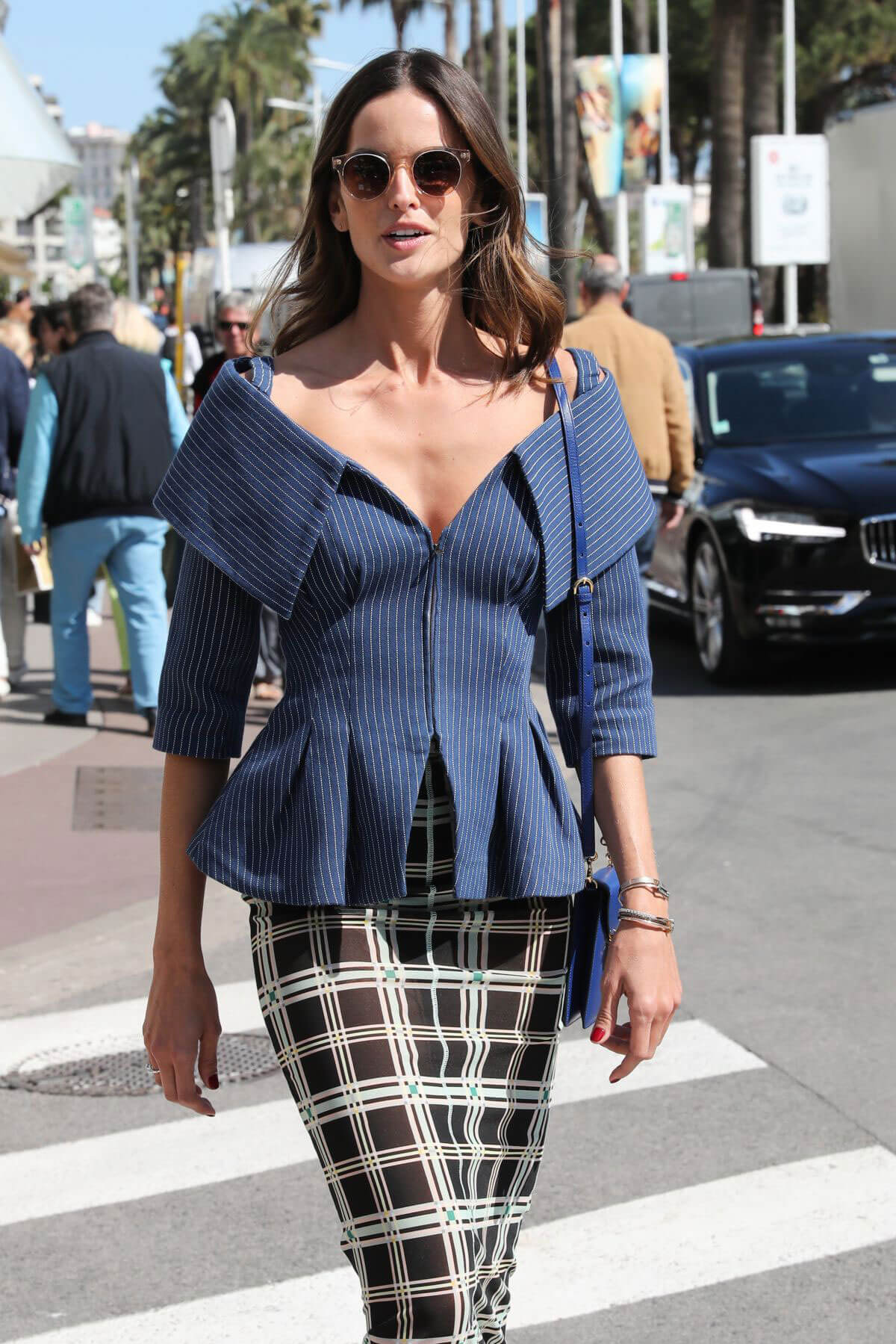 Izabel Goulart Stills Out and About in Cannes 2018/05/14 10