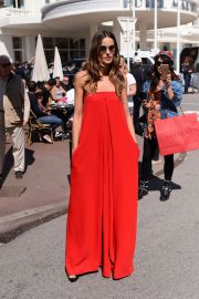 Izabel Goulart Stills Out and About in Cannes 2018/05/14 19