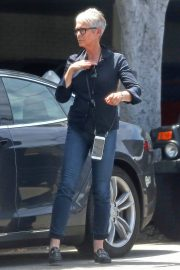 Jamie Lee Curtis Stills Out and About in Beverly Hills 2018/05/04 1