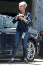 Jamie Lee Curtis Stills Out and About in Beverly Hills 2018/05/04 7