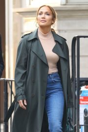 Jennifer Lopez and Treat Williams Stills on the Set of Second Act in New York 2018/05/06 10