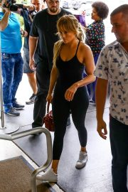 Jennifer Lopez Arrives at a Gym in Miami 2018/05/24 19