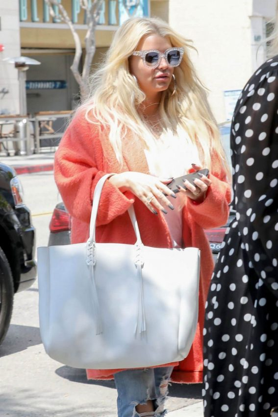 Jessica Simpson Out for Lunch in Beverly Hills 2018/05/25 4