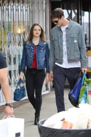 Joey King Out Shopping at Farmer's Market in Studio City 2018/05/27 10
