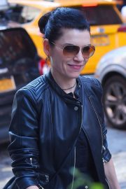 Julianna Margulies Stills Out and About in New York 2018/05/10 4