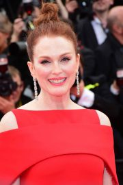 Julianne Moore Stills at Everybody Knows Premiere and Opening Ceremony at 2018 Cannes Film Festival 2018/05/08 2